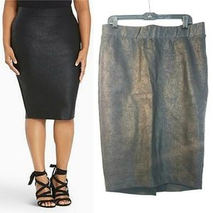 00 Torrid Black Coated Ponte Pencil Skirt - NEW